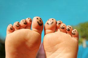 Ortopedi, Travmatoloji Uzmanı, Doç. Dr., Halil İbrahim Bekler,ayakkabı seçimi ,Ayak şişmesinin nedenleri,ayak şişmesi,şekil bozukluğu ,Ayaklar neden şişer,böbrek,kalp,ödem,yorgunluk,tedavisi,belirtileri,hastalıkları,eklem,Ayak Şişmesinden Kemikler Sorumlu Olabilir